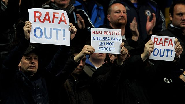 Fans protest manager Rafael Benitez