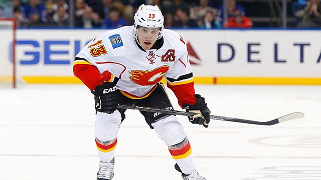 Mike Cammalleri #13 of the Calgary Flames