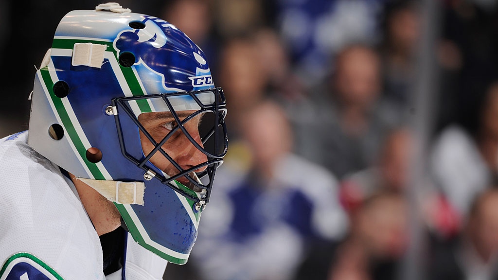 Luongo-Roberto-Contracts-SL-Features
