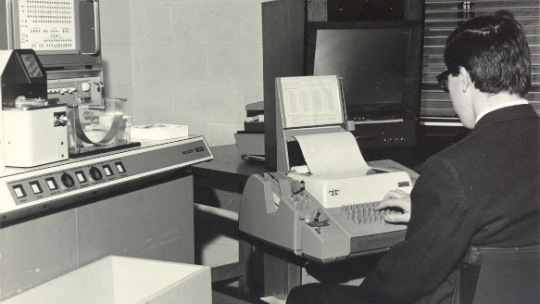 HP_madmen_manworkcomputer_540