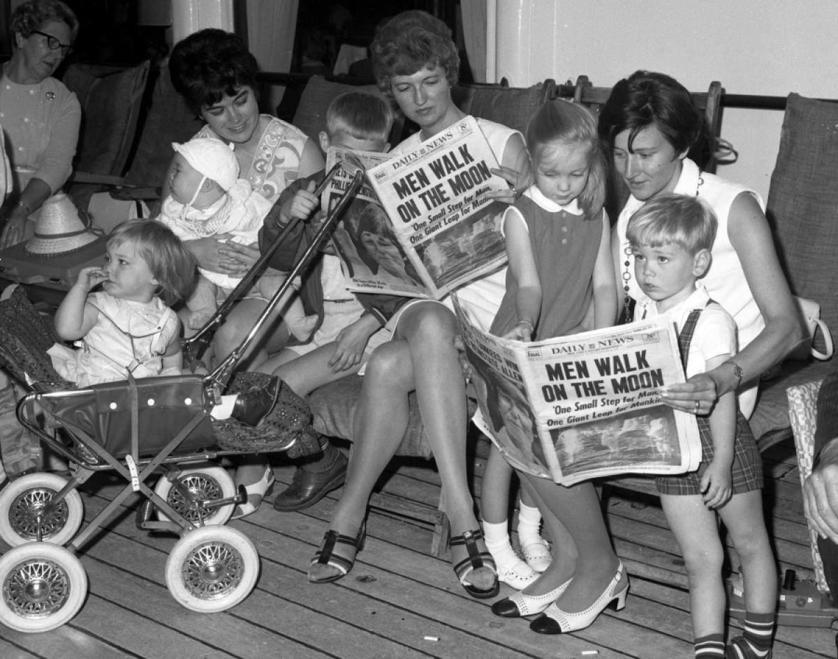 reading-moon-landing-daily-news-july-21-1969