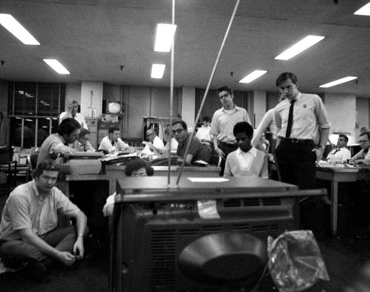 watching-moonwalk-daily-news-july-20-1969