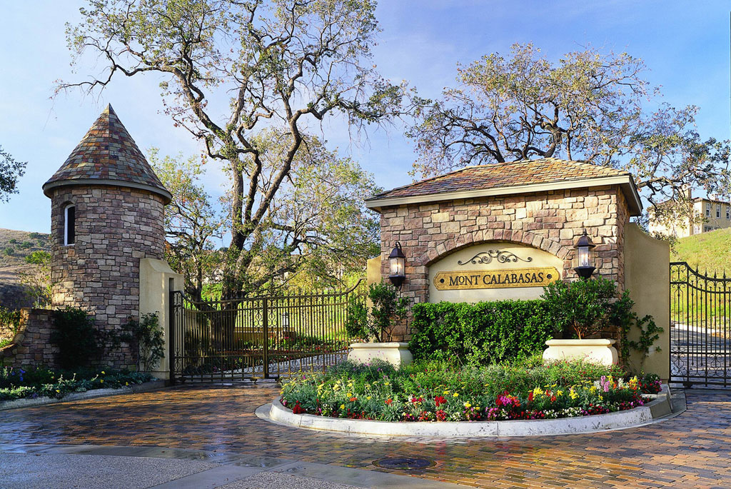 Will Smith And His Family, Michael Jacksonu0027s Children, And Britney Spears  Have Also Called Calabasas Home At Some Point Or Another.