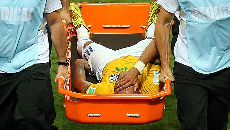 neymar-stretcher