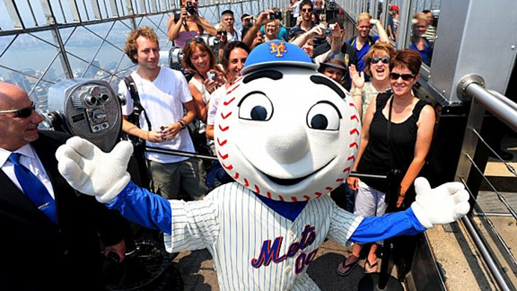 Mr. Met on Empire State Building