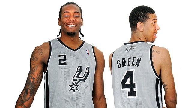 Spurs Uniform