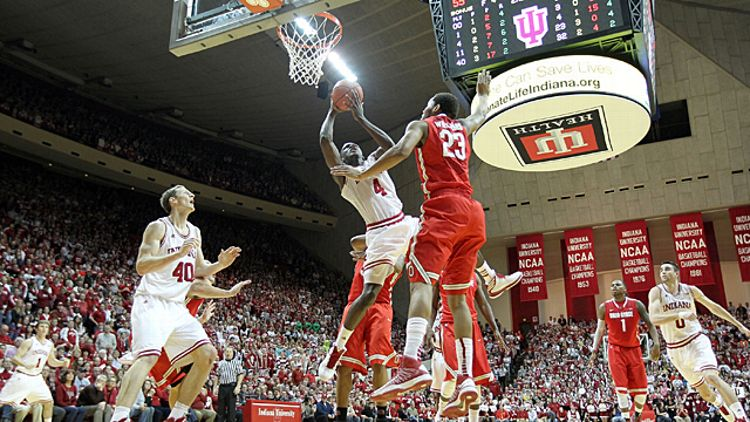 Victor Oladipo #4 of the Indiana Hoosiers