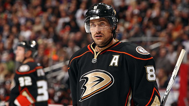 Teemu Selanne #8 of the Anaheim Ducks