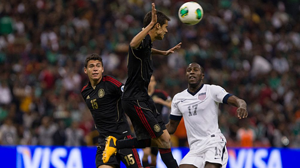 Diego Reyes (#16) of Mexico