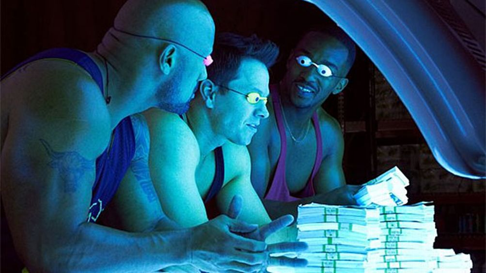 Pain and Gain Still - Dwayne Johnson, Mark Wahlberg, Anthony Mackie