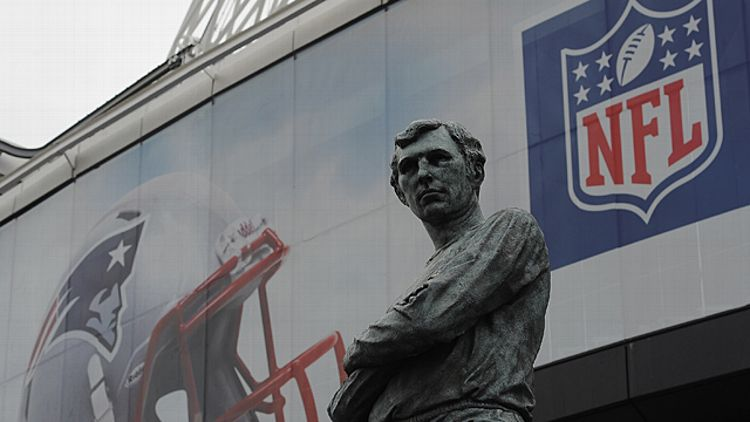 The Bobby Moore statue