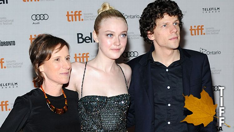 Kelly Reichardt, Dakota Fanning, and Jesse Eisenberg