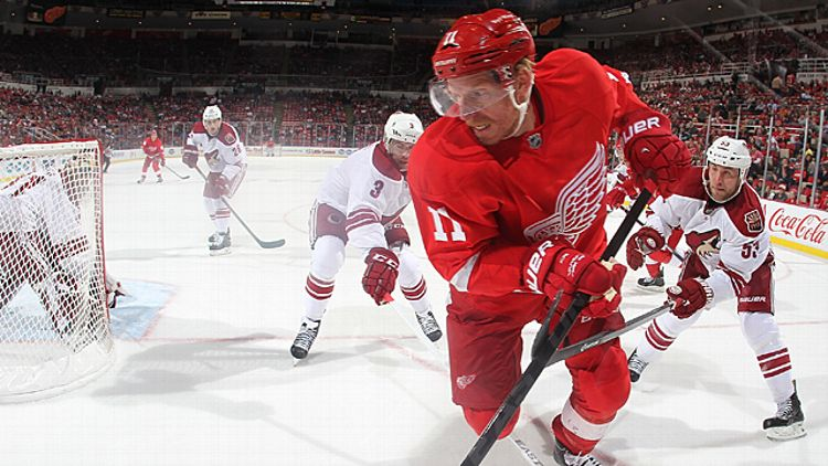 Daniel Alfredsson #11 of the Detroit Red Wings