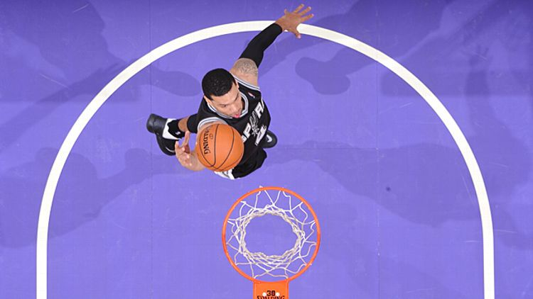 Danny Green #4 of the San Antonio Spurs