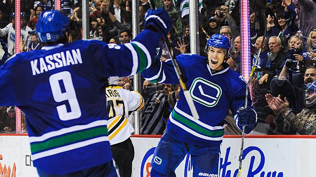 David Booth #7 of the Vancouver Canucks celebrates