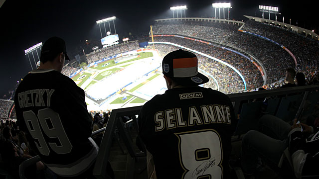 Ducks-Kings-Fans-SL-Features
