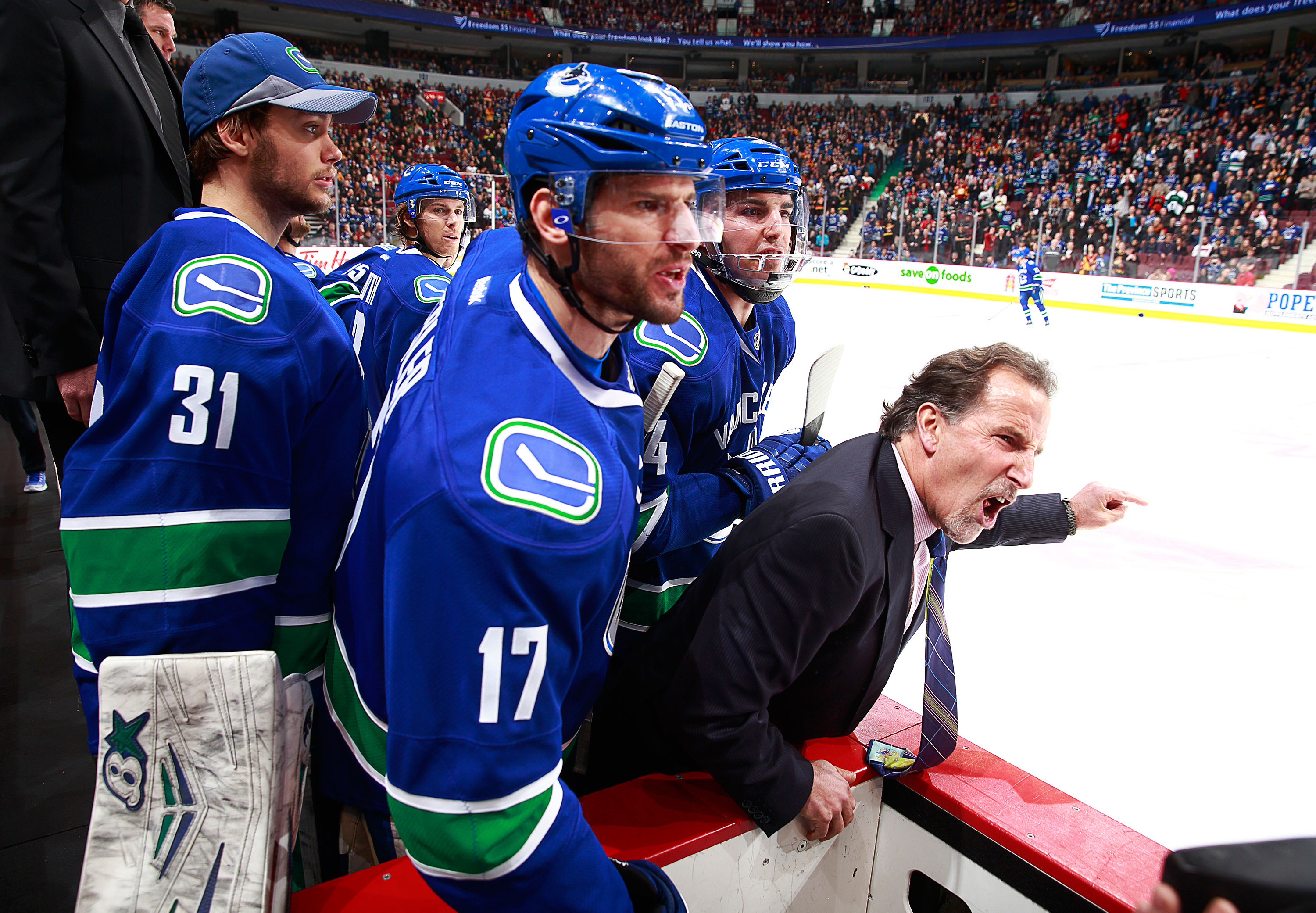 tortorella-john-canucks-triangle