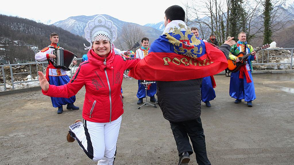 Russian-Fans-Sochi-SL-Features
