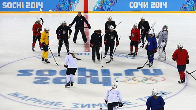 Sochi-Womens-Hockey-US-SL-TRI