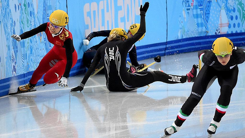 Speedskating-crash-sochi-olympics-sl-features