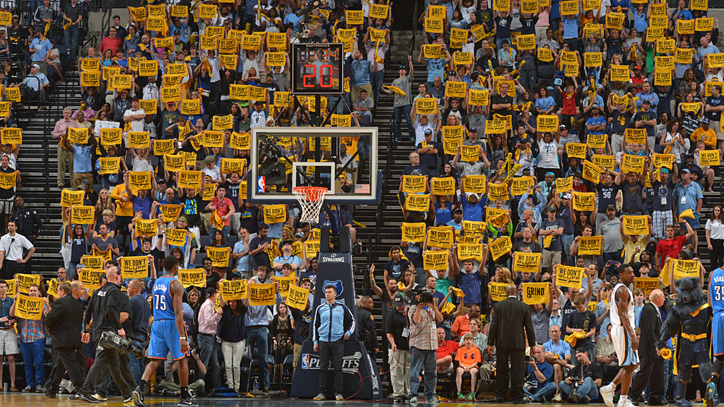 Fans of the Memphis Grizzlies