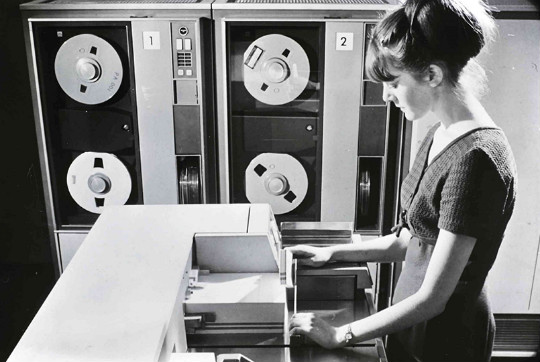 HP_madmen_computerwoman_540