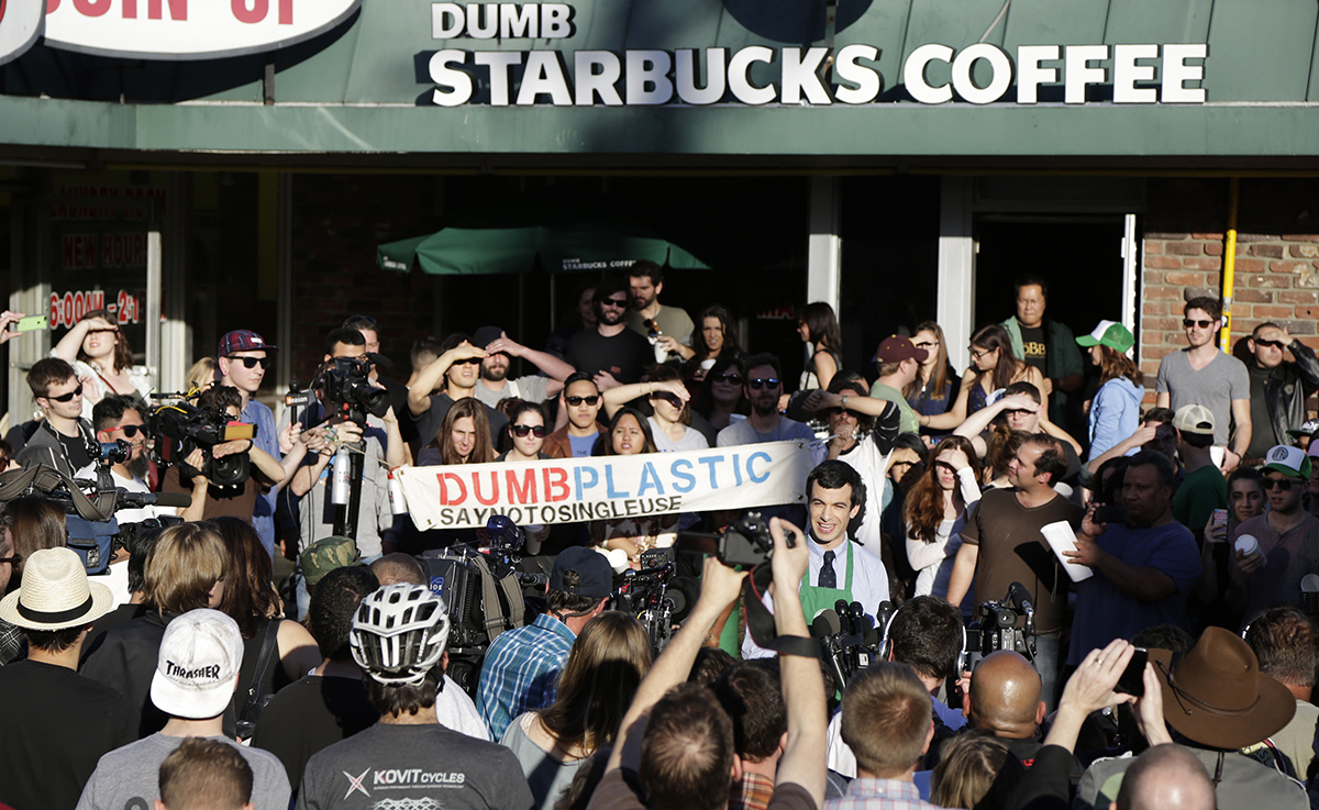 "Mysterious ""Dumb Starbucks"" Coffee Shop Parodies Famed Seattle Chain"