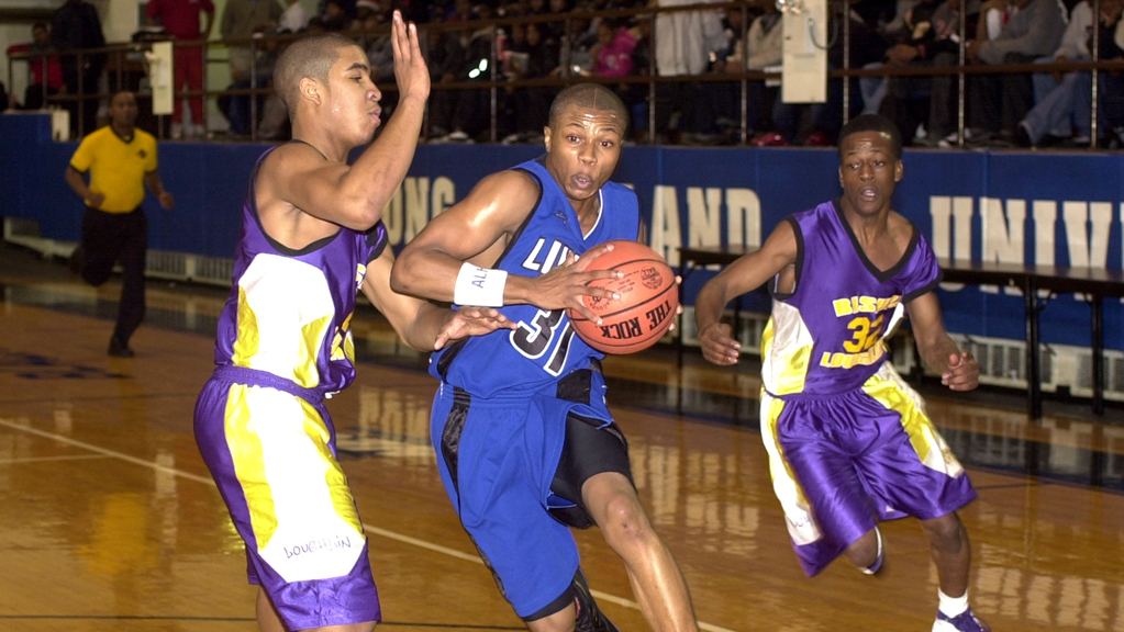 Sebastian Telfair playing for Lincoln High School in 2002.