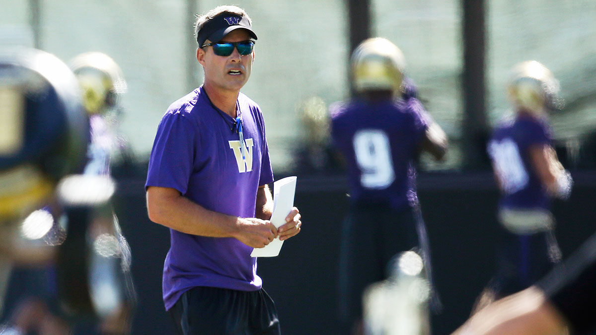 chris-petersen-washington-fe