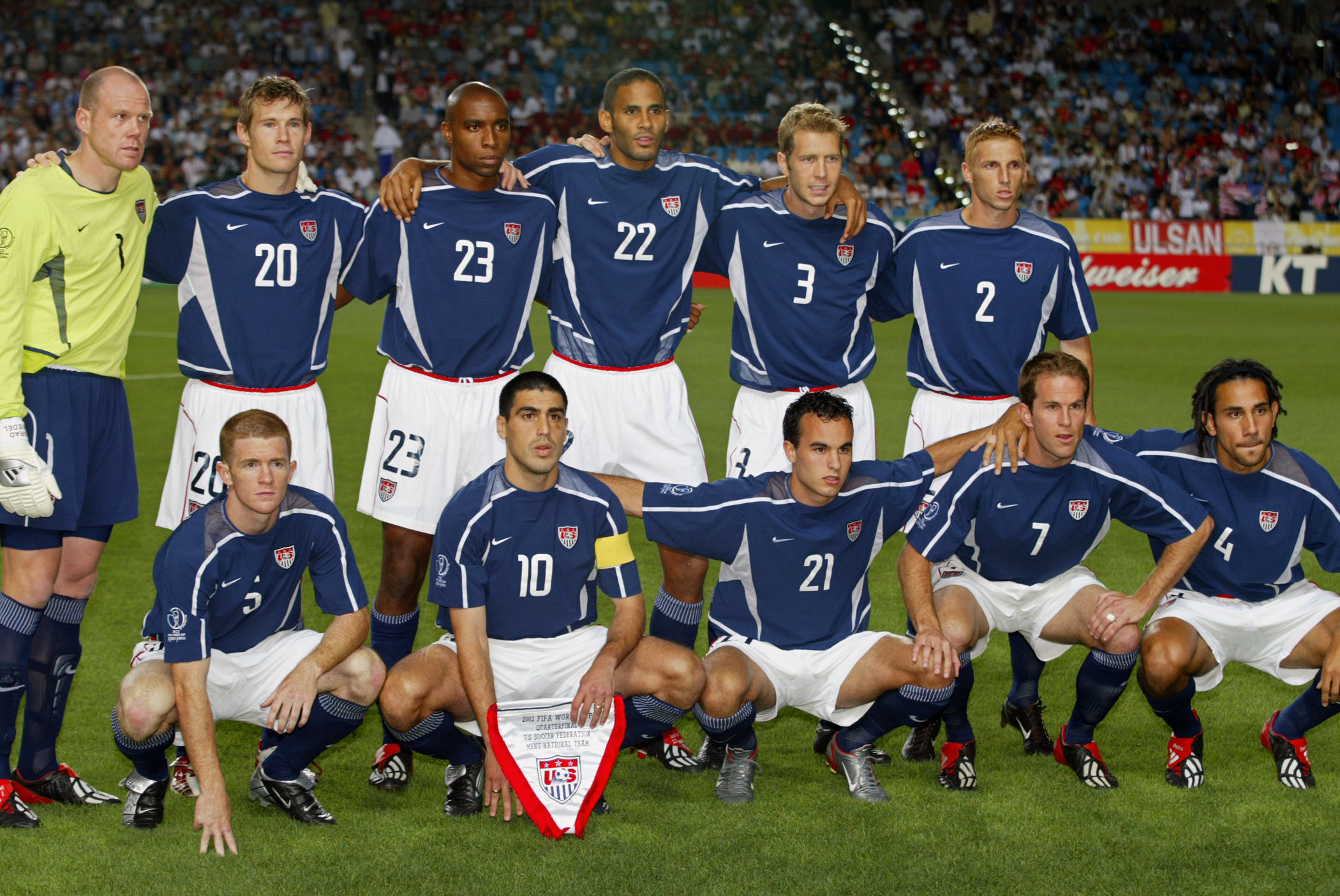 USA line up for a team photo,  21 June 2002 at the
