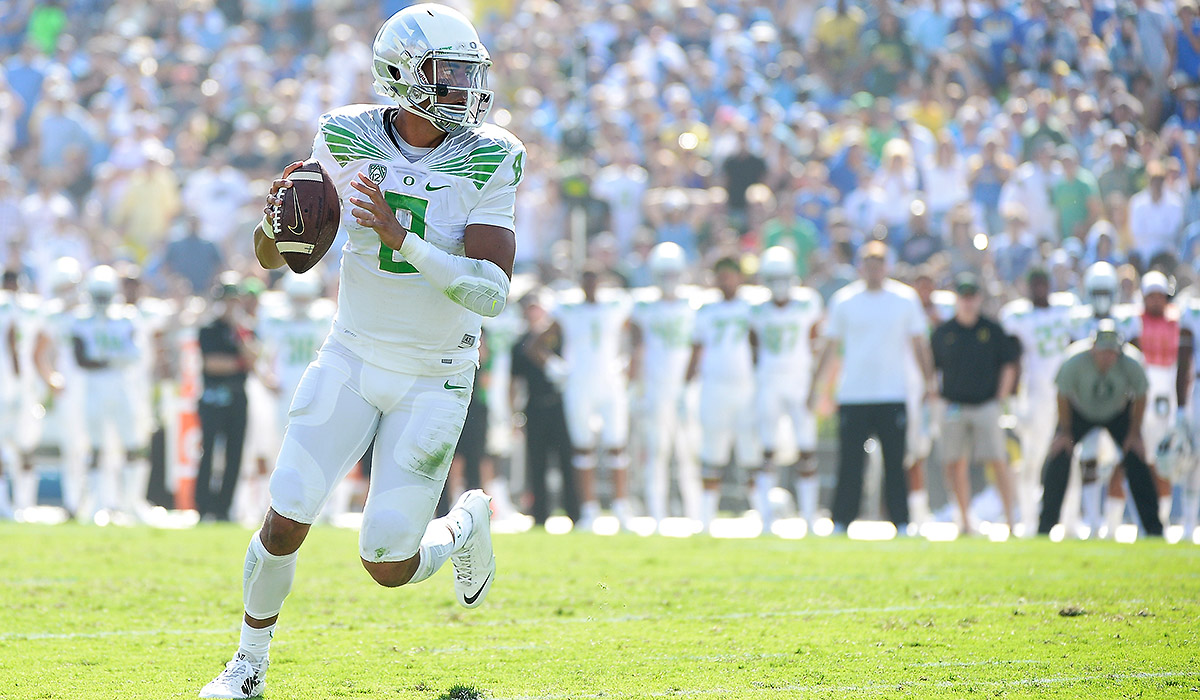 marcus-mariota-white-out-oregon-tri