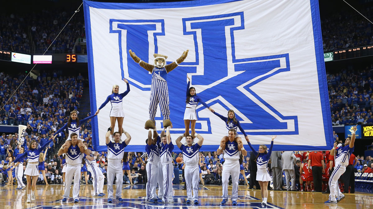 kentucky-wildcats-cheerleaders