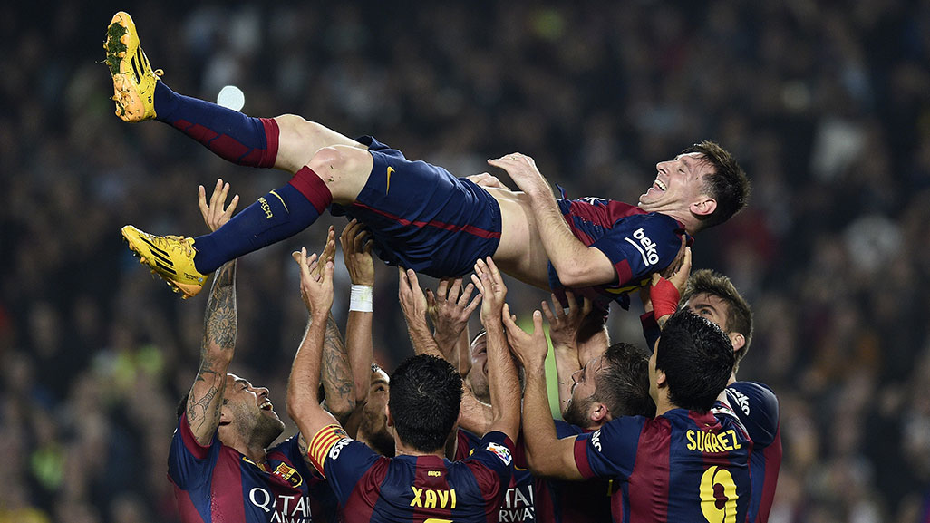messi-crowd-surf