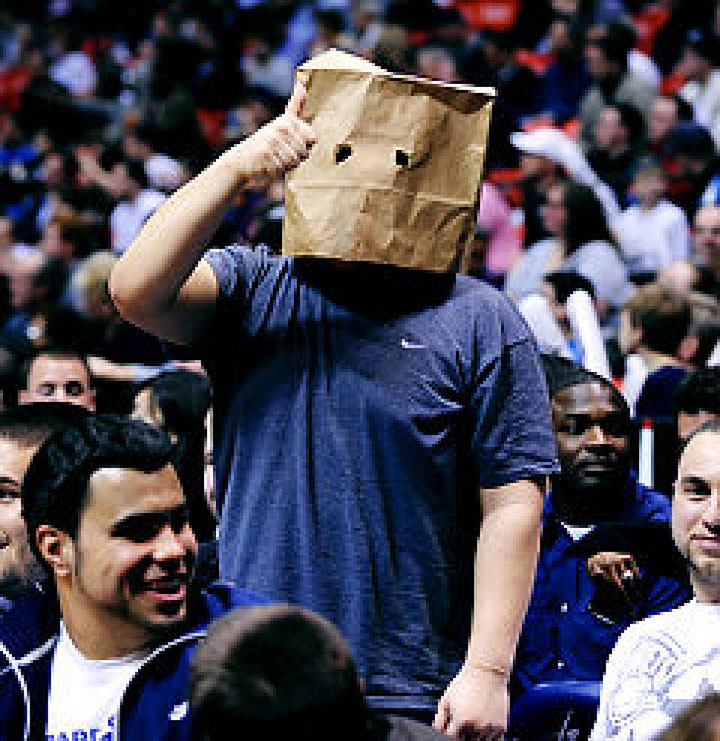 nets-fan-paper-bag