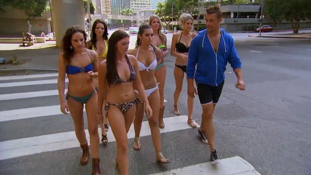 bachelor_bikini_walk