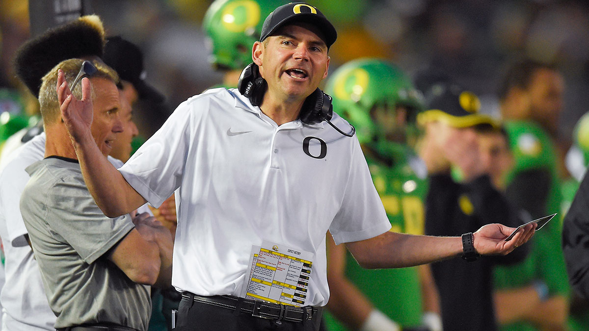 Oregon head coach Mark Helfrich.