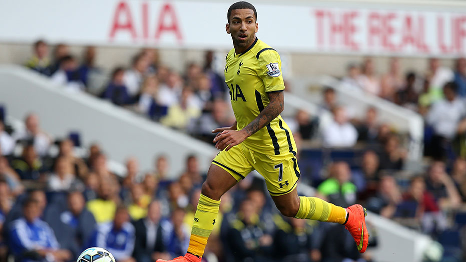aaron-lennon-yellow