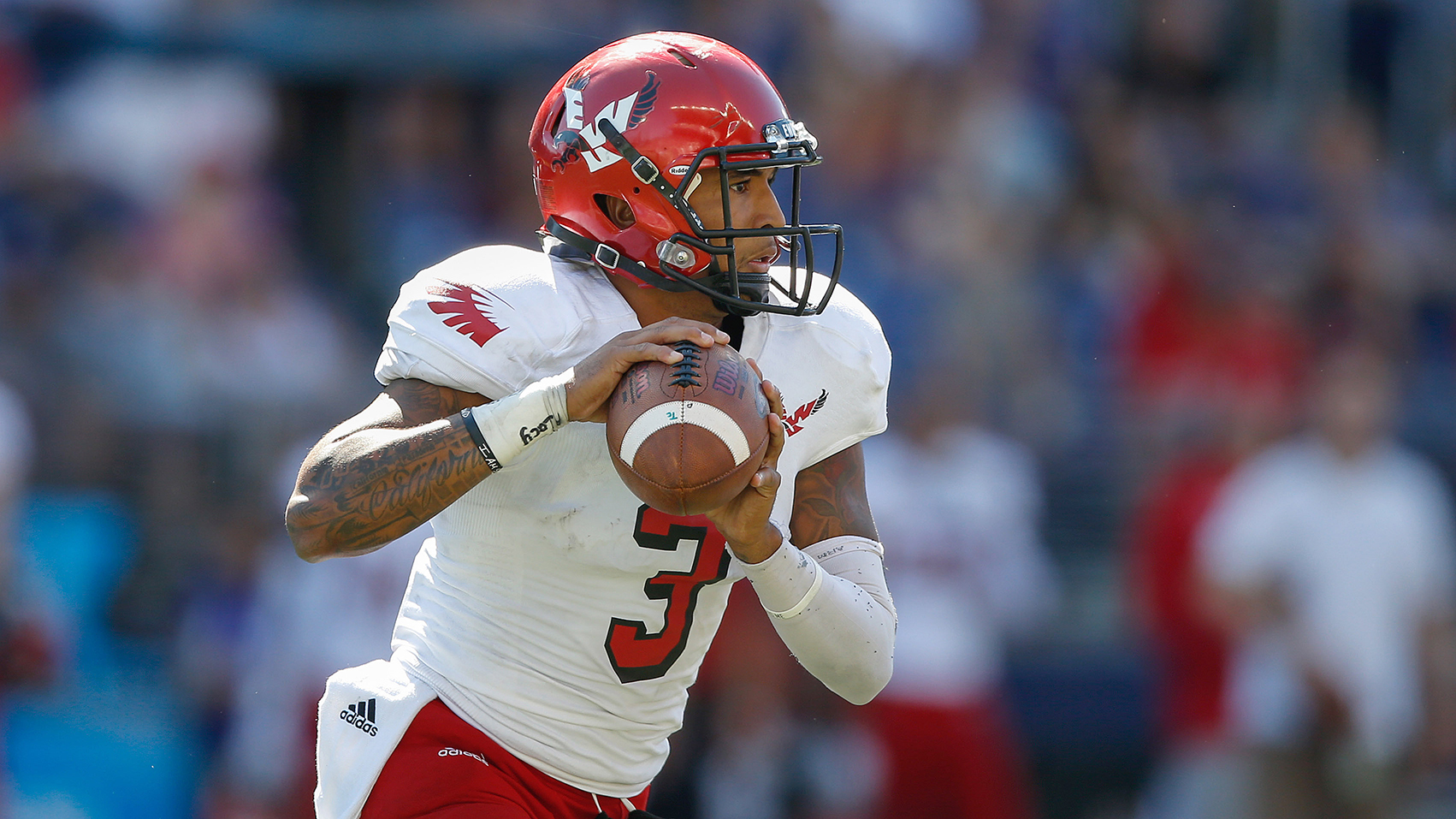 Eastern Washington transfer Vernon Adams should be able to keep Oregon's offense potent in 2015.
