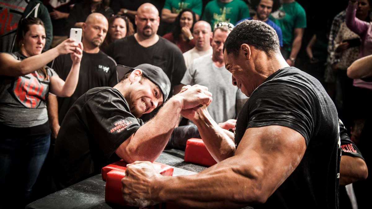 Grimaces Sweat And Screaming Spouses The Joys Of Televised Arm Wrestling