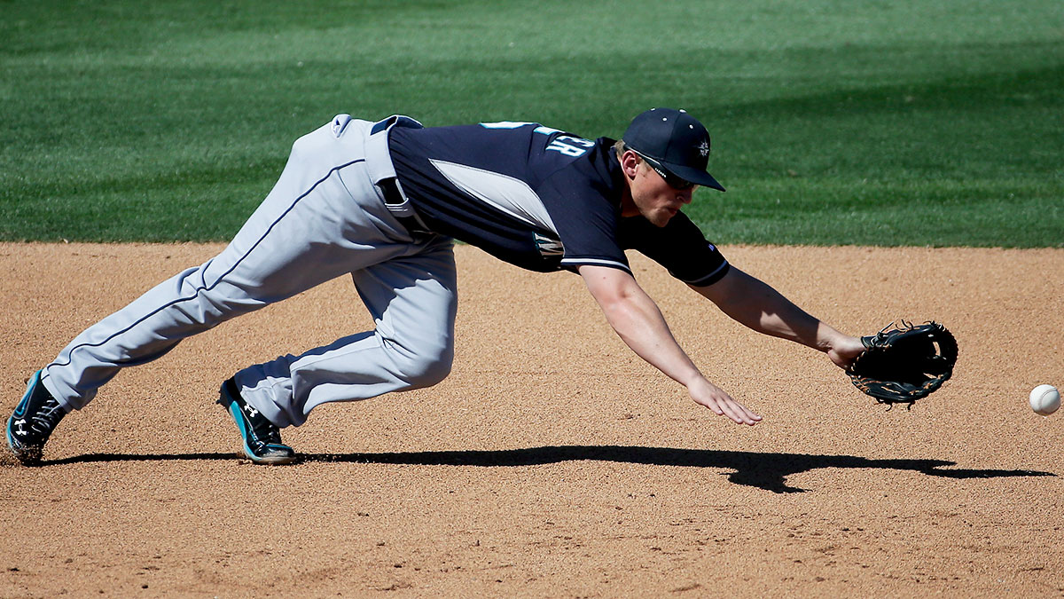 kyle-seager-mariners-tri