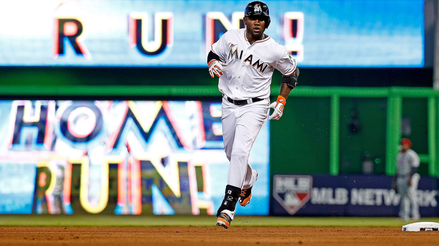 marcell-ozuna-home-run