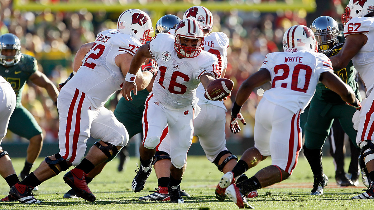 russell-wilson-wisconsin-tri