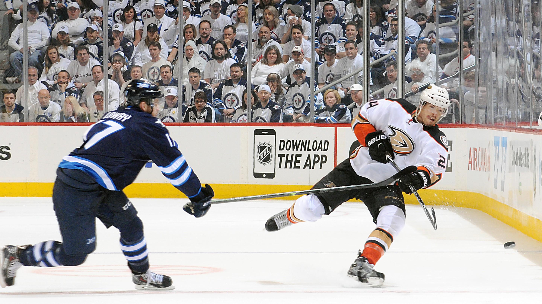 Most intimidating college hockey arenas in winnipeg