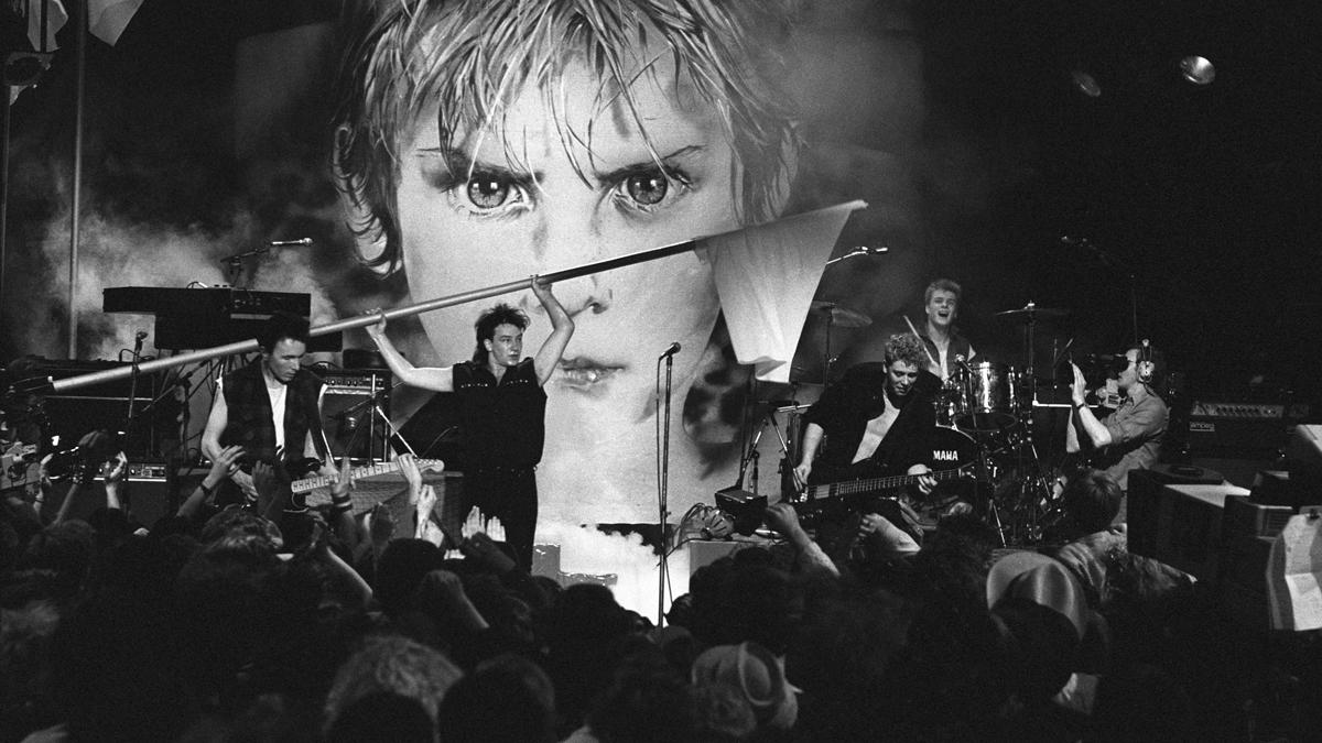 U2-1983