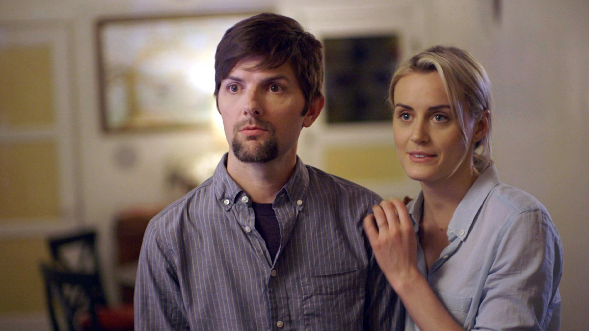 Scott and Schilling in 'The Overnight.'