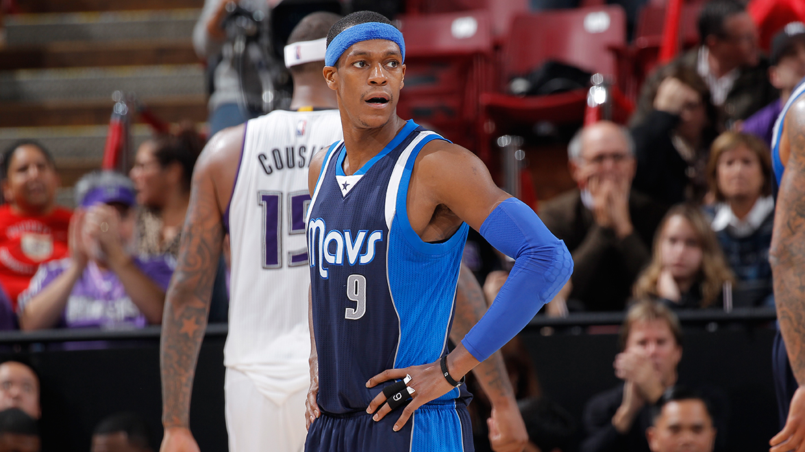 Dallas Mavericks v Sacramento Kings