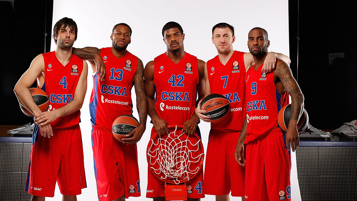 Milos Teodosic, Sonny Weems, Kyle Hines, Vitaly Fridzon, and Aaron Jackson at CSKA Moscow Media Day.
