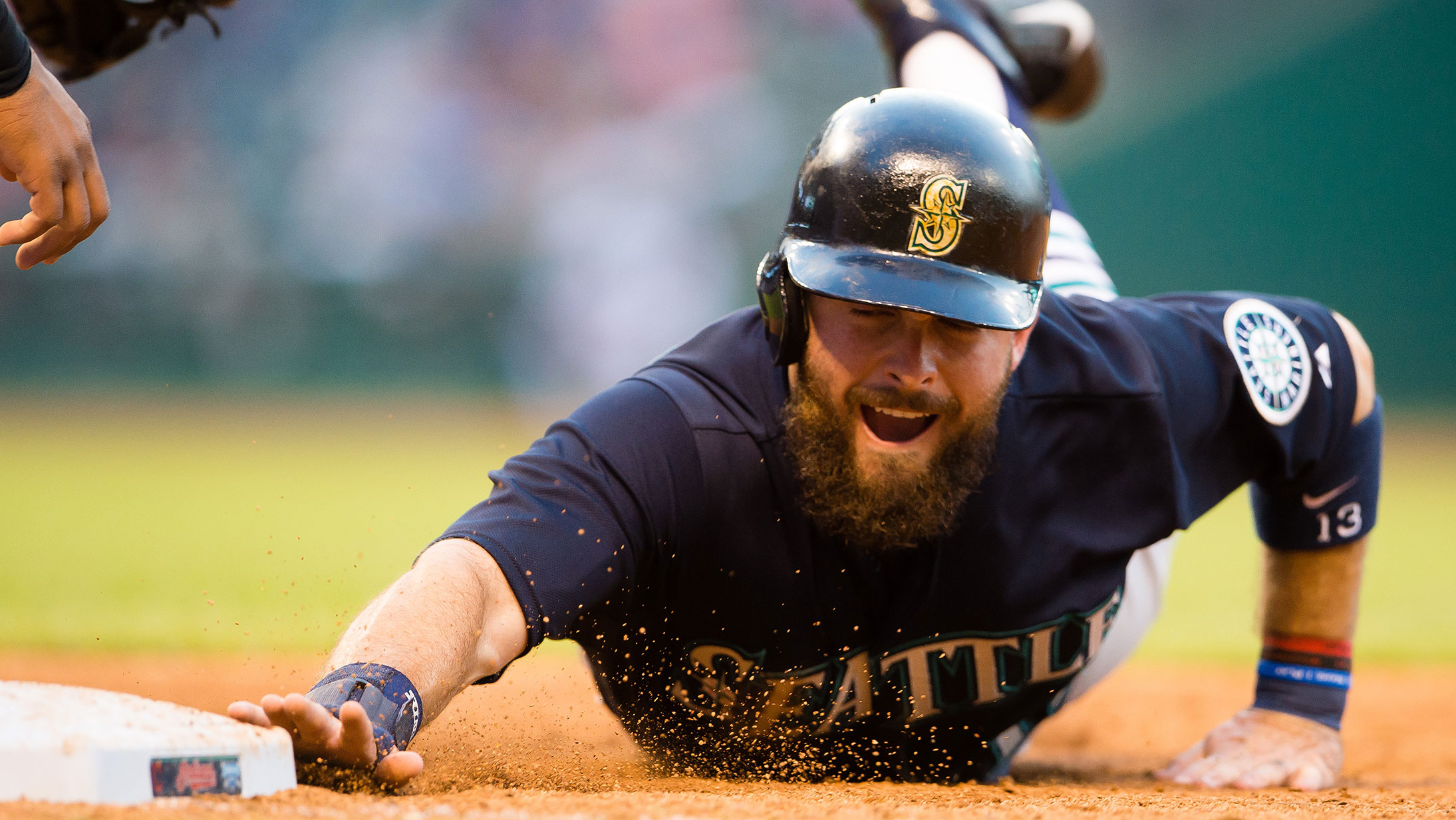 dustin-ackley-slide