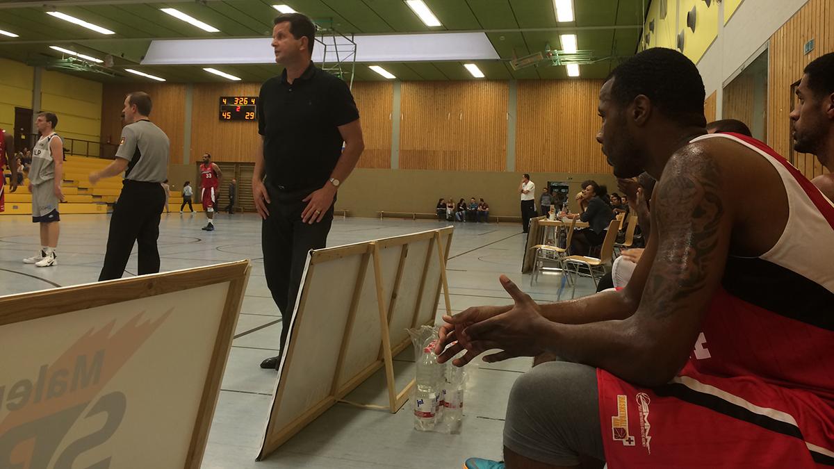 Hans Beth coaching the SMAA team in Heidelberg.