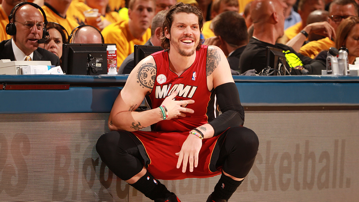 Former Heat forward Mike Miller considered suing the team for introducing him to a con man who defrauded him and other former Heat players of more than $7 million.
